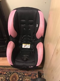 baby's black and pink car seat Manassas, 20112