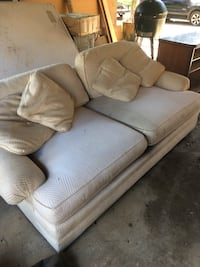 White Couch - Good Condition  Brandon, 39047