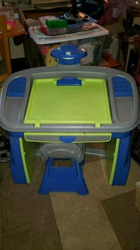Kids desk/easel all-in-one Fall River, 02721