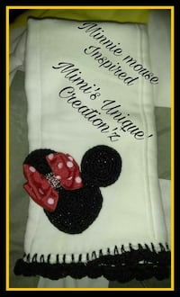 white and black Minnie mouse print burp cloth Buffalo
