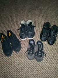 Childs sneakers sz 8-9