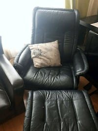 Leather chair recliner  Mississauga, L5B 2C9