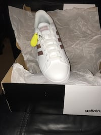 Pair of white women's size 8.5 adidas superstar with box Burke