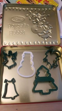 Christmas cookie cutters tin collection