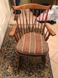 Classic Antique Vintage Rocking Chair w/ Pad Olney, 20832