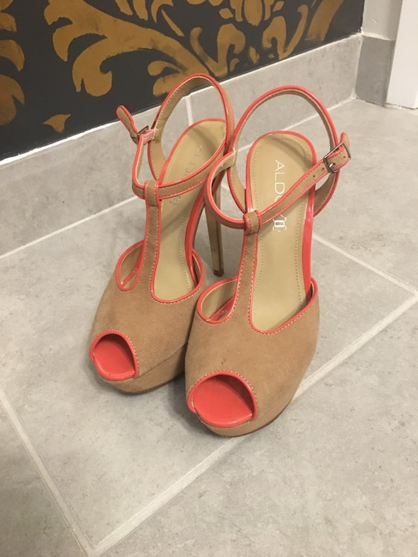 SEXY Nude platform sandals pumps * Leather Suede size 39 9 1