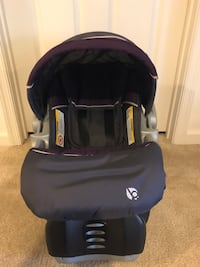 Baby's purple and gray infant seat carrier 77 km