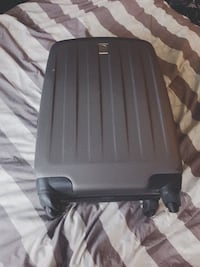 Delsey expandable hard shell suitcase with built in lock  Toronto, M5V