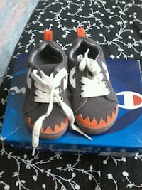 Carter's  boy lace up shoes  Mississauga, L5B 1H7