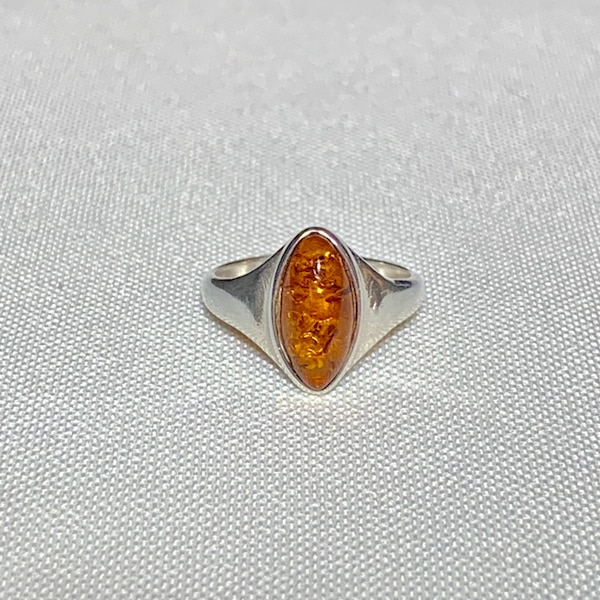 Genuine Sterling Silver Baltic Amber Ring 9428bdeb-4c7c-478d-aa31-b5f1ed61c493