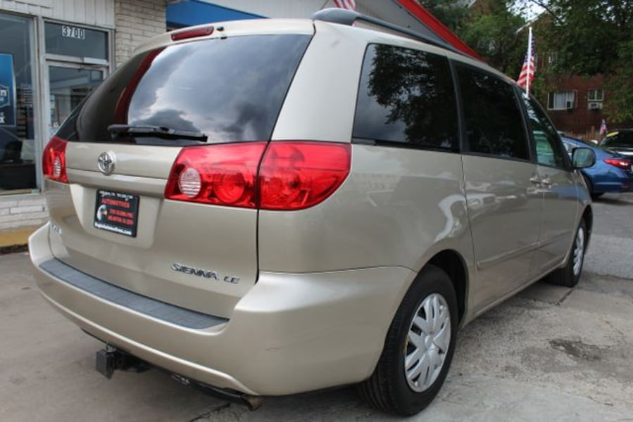 Used 2010 Toyota Sienna for sale 107296be-e737-4b4f-90d7-095bc73a76e7