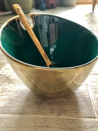 Green and Gold Ceramic Salad/Soup Bowl 29 km