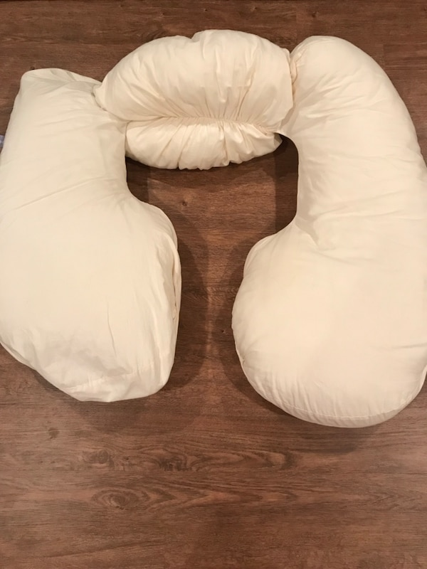 Clean Nursing Pillow (with cover)