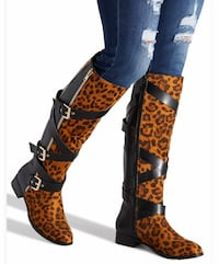 Buckled flat Boot