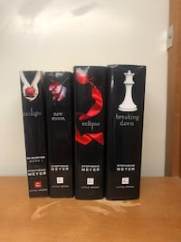 Complete Twilight series - lightly used - 2 paperback, 2 hard cover - Great Condition  Grand Rapids, 49546