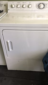 white front-load clothes washer Wilmington, 28412
