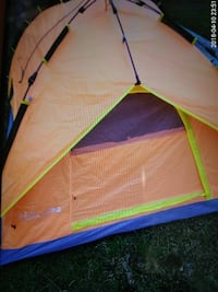 Hollyhome 4 man tent never used Miamisburg, 45342
