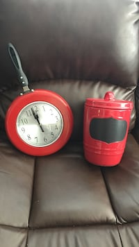 Cookie jar with chalk board and clock skillet