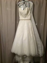 Beautiful modest wedding dress Edmonton, T5W 3M8