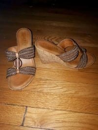 pair of brown leather open-toe sandals Ottawa, K1S 3H1