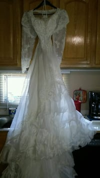 women's white wedding gown Tampa, 33661