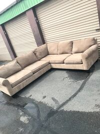 Havertys Sectional  Virginia Beach, 23455