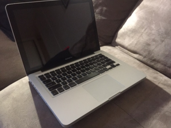**read description** Mac book pro