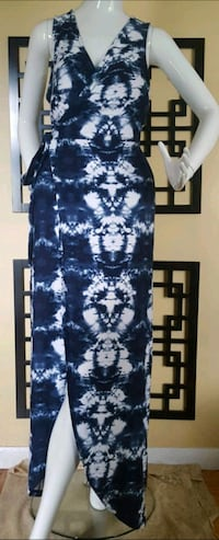 La Classe Couture Maxi Dress Sz L London, N5Y 4S6