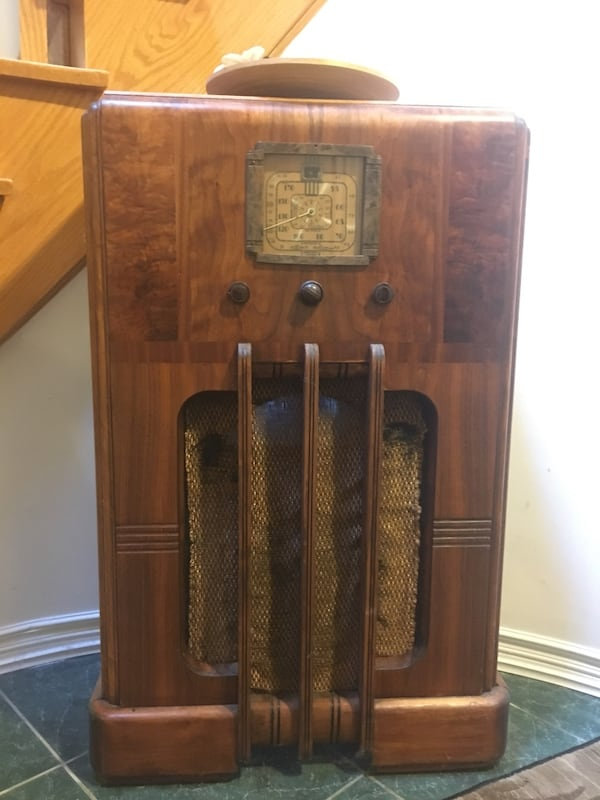 Used Antique Rca Victor Old Radio For
