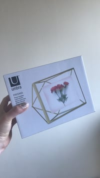 Umbra prisma frame (4x6) - unopened still in box  Toronto, M5T