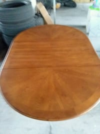 Coasters Fine Furniture Brooks Dining Table Las Vegas, 89123