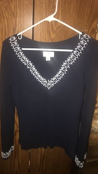 Navy and white scooped necked, long sleeve. Farmers market meet Bay City, 48708