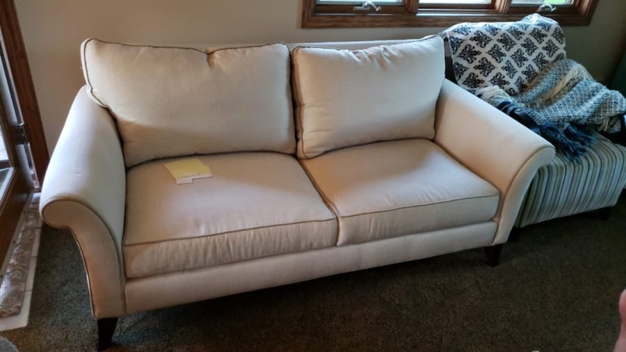 Newer couch only a couple years old still have the bill of sale and receipt it was originally 1000 dollars 880fbae5-faa9-4891-b06e-7ad65341bb53