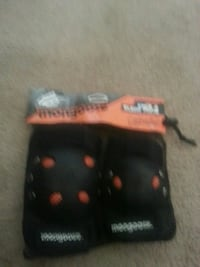 Knee and elbow pads for sale. Roanoke, 24016