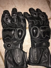 Leather motorcycle riding gloves size small Toronto, M4C 5A1
