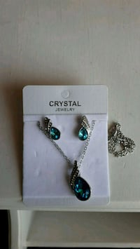 Beautiful crystal necklace and earrings