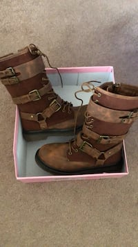 NEW brown boots Martinsburg, 25403