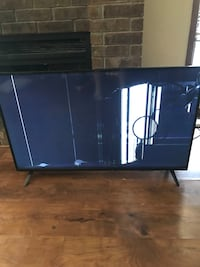 "43"" vizier tv(busted screen )"