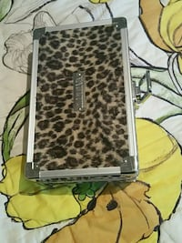 black and gray leopard print leather wristlet Cleveland, 37323