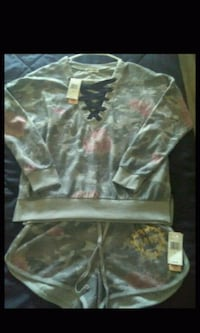 Brand new with tags ladies heart inspired outfit$8 Spartanburg, 29303