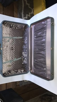 gray travel luggage Bakersfield, 93312