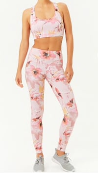 SZ XS Pink Floral Sports Bra and Leggings Tampa, 33605