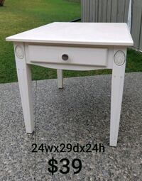 End Table *Delivery Available* Hamilton, L9H 5N7