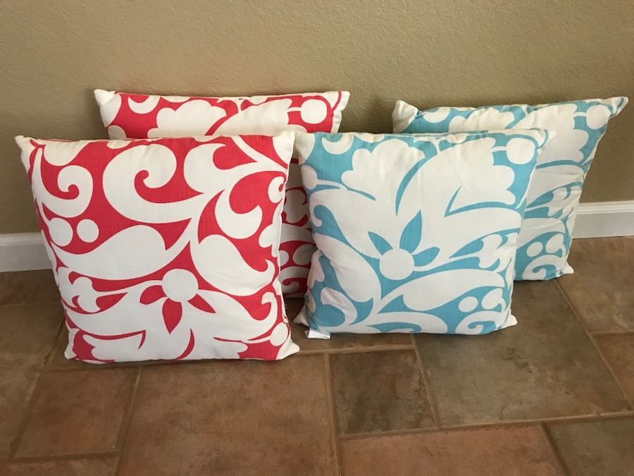Throw Pillows One Kings Lane : letgo - Kate Spade throw pillows in Corona, CA