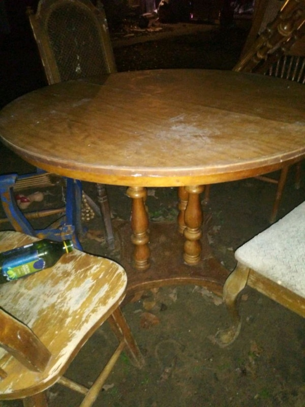 Wood 48 Inch Round Table And 4 Chairs