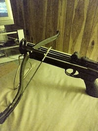 black compound crossbow York, 17401