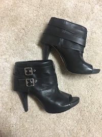 Vince Camuto size 10 Leather booties  Markham, L3T