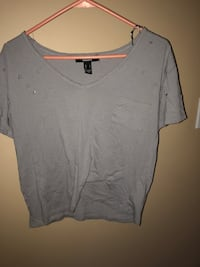 gray v-neck pocket tee Central Okanagan, V1Z 3Z3