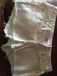 white and pink floral short shorts Robstown, 78380