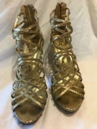 Gold strappies heels Worcester, 01610